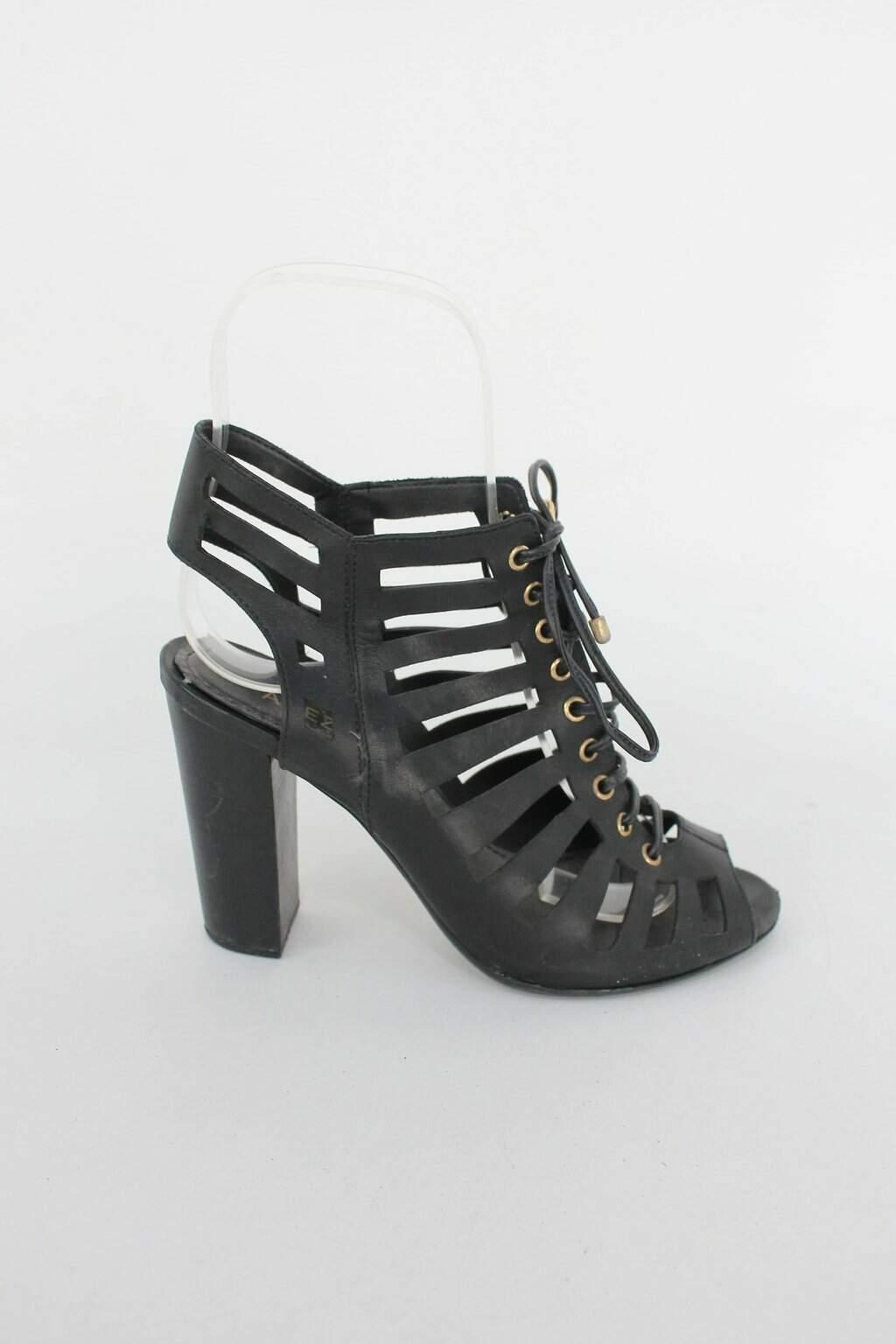 Sandalia de tiras arezzo feminina preta