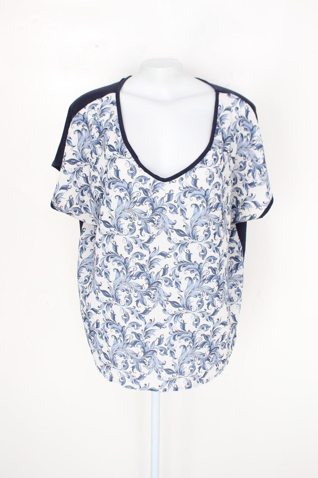 Blusa Marisa Feminina Azul E Branco Com Arabescos