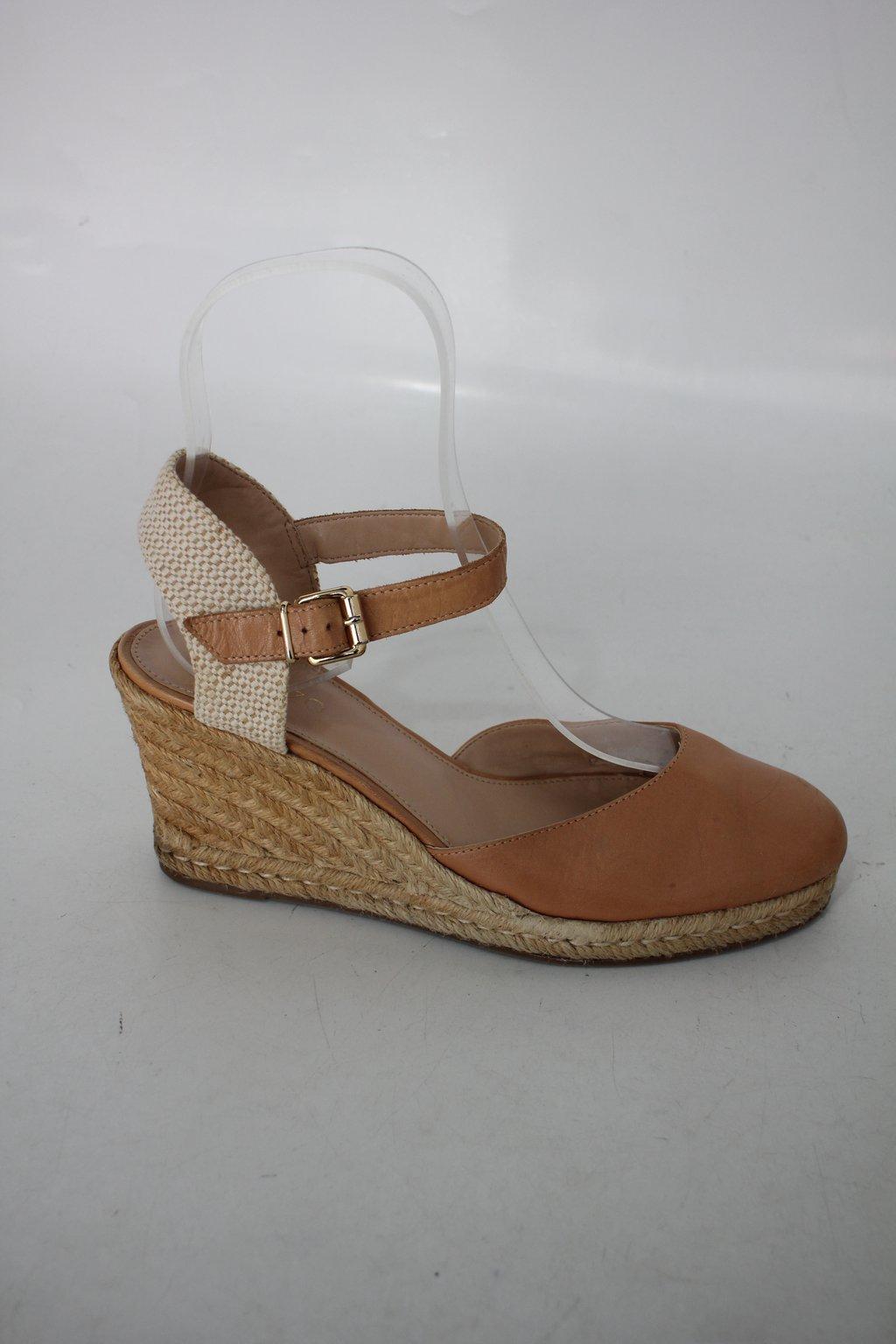 Sapato Arezzo Feminino Bege