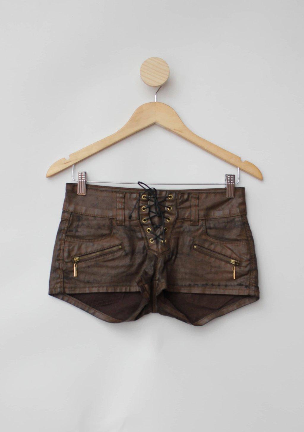 Shorts colcci feminino marrom