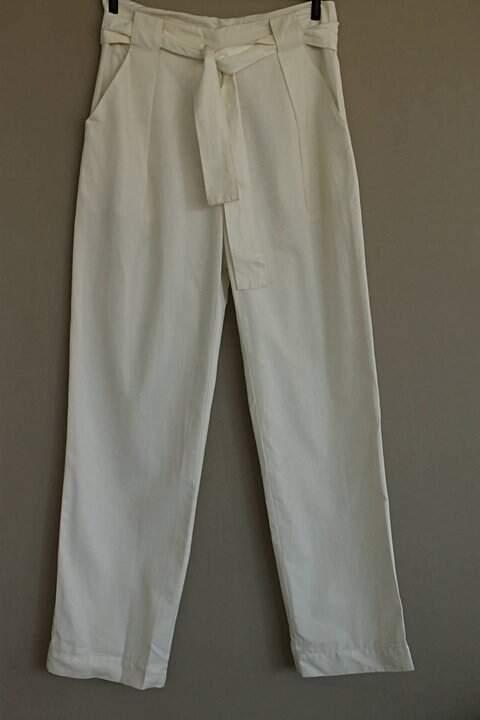 Calça Branca Amarração Graça Ottoni  _foto de frente