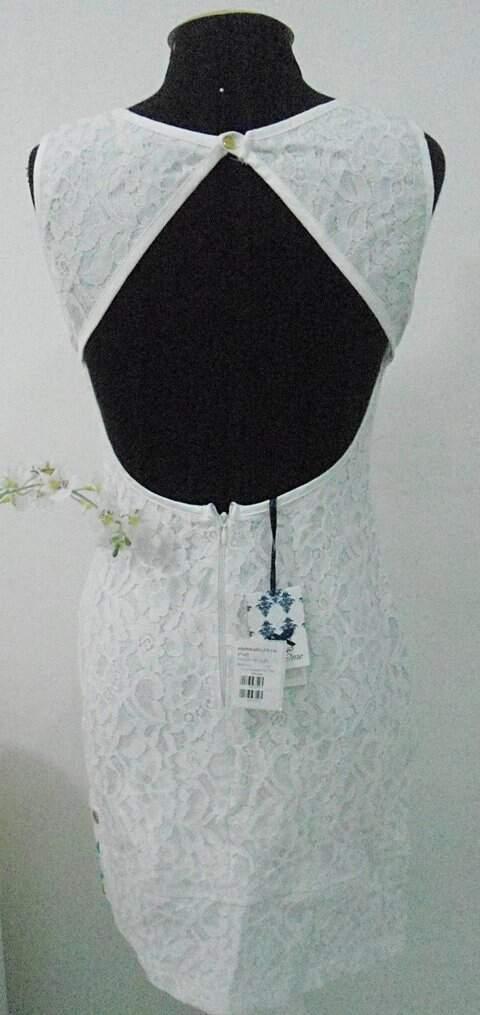 Vestido de renda Bordado_foto de frente