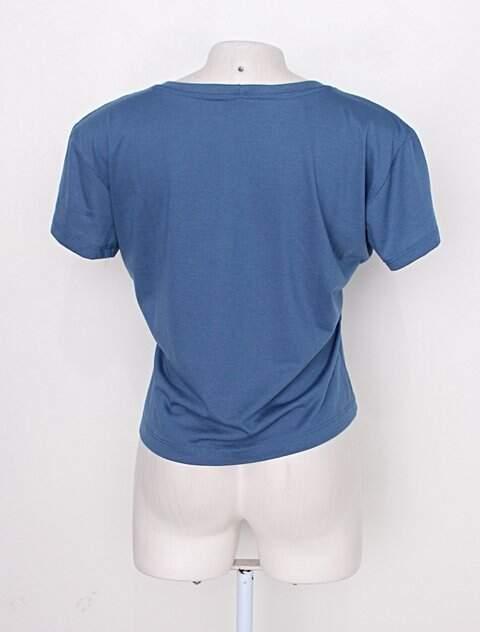 Camiseta azul feminina _foto de detalhe