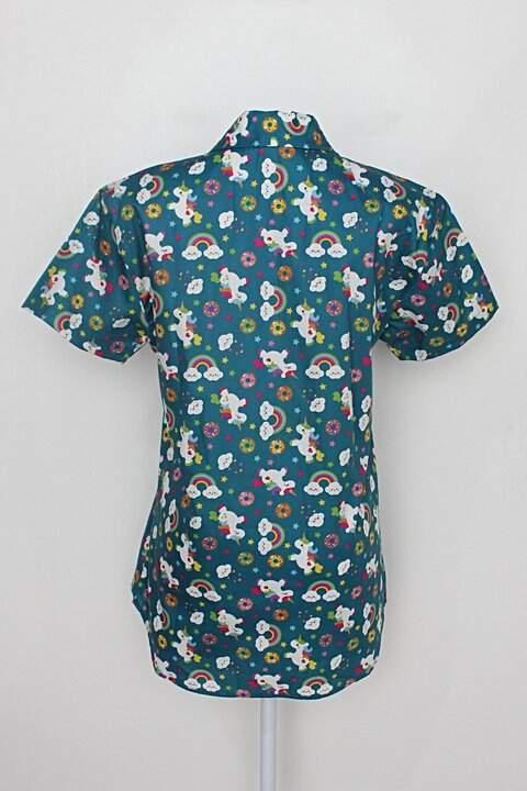 Camisa manga curta maria joão estampada unicórnio_foto de costas