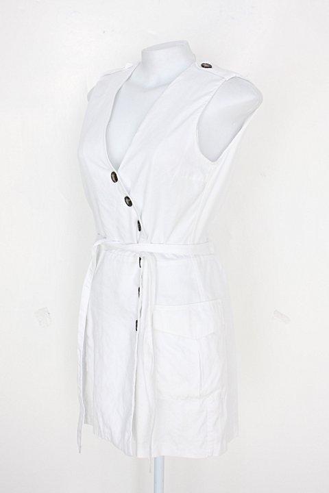Macaquinho feminino branco com Faixa na Cintura_foto de costas