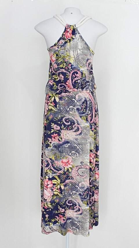 Vestido feminino estampado floral _foto de costas