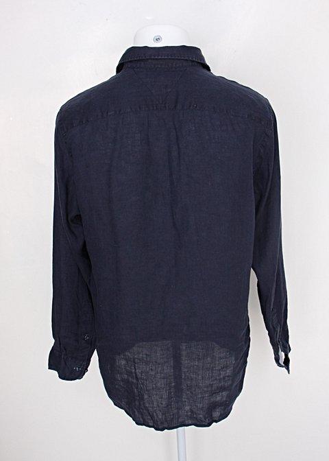 Camisa tommy hilfiger masculina azul marinho com bolso_foto de detalhe