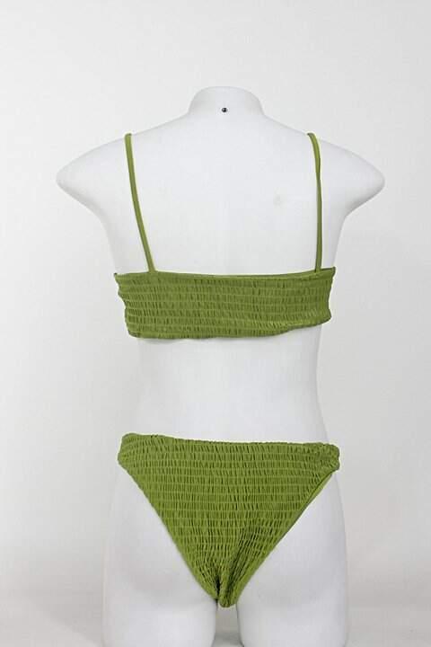 Biquíni feminino verde_foto de costas