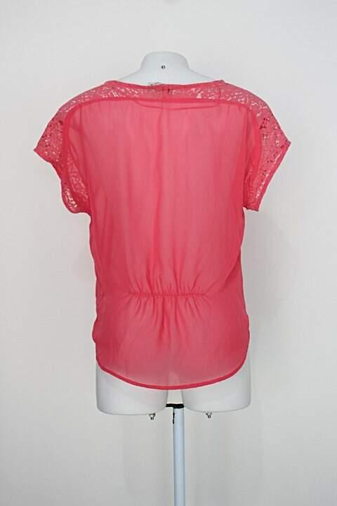 Blusa c&a feminina rosa com Transparência e Renda_foto de costas