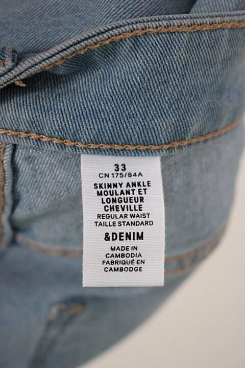 Calça Jeans Skinny h&m feminina azul denim_foto de detalhe