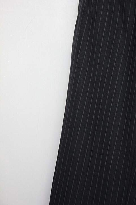 Calça Social feminina cinza risca de giz_foto de detalhe