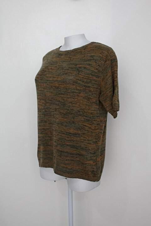 Blusa de tricot feminina estampada_foto de costas