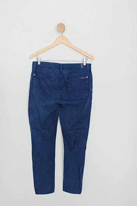 Calça de sarja 7 for all mankind feminina azul_foto de costas