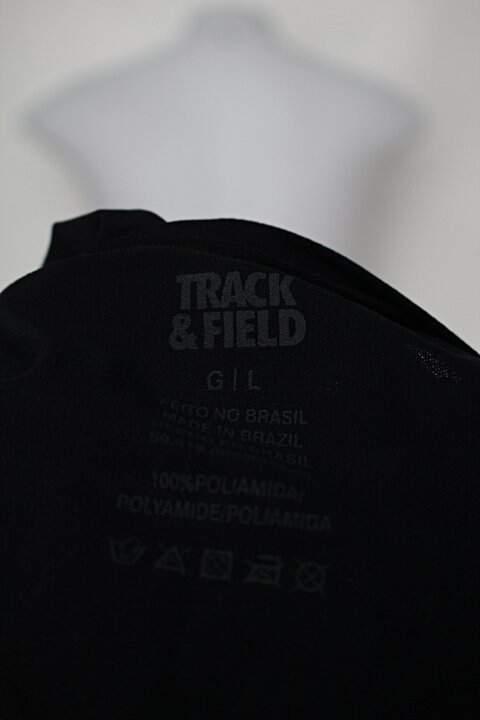 Blusa Esportiva preta Track & Field _foto de detalhe