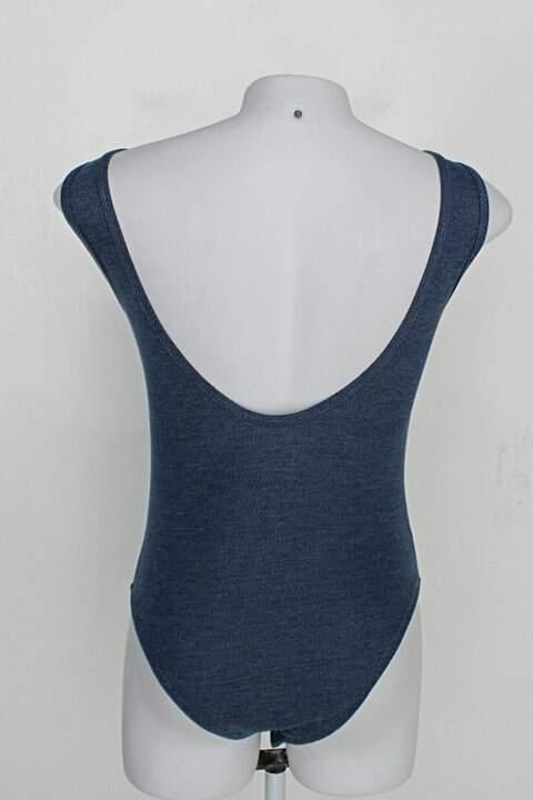 Body regata denim ton jov feminino azul c/ tiras no decote_foto de costas