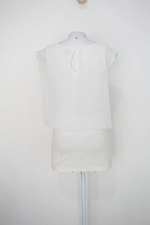 Vestido 284 feminina branco com Hotfix_foto de costas