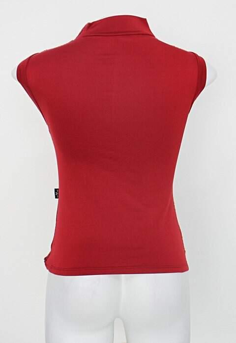 Blusa feminina vermelha_foto de detalhe