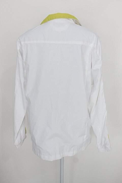 jaqueta Corta Vento kappa feminina branca com detalhe verde_foto de costas