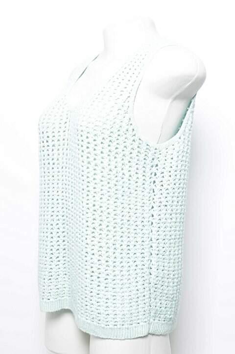 Blusa Regata Crochet Verde _foto de costas