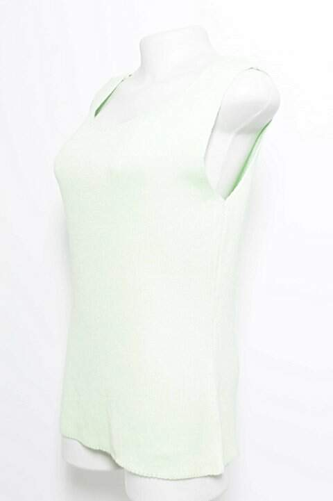 Blusa Regata Tricot Verde _foto de costas