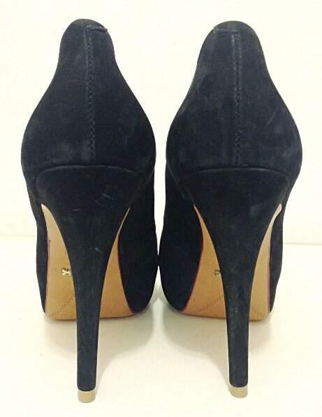 Sapato Schutz Camurça Preto _foto de detalhe