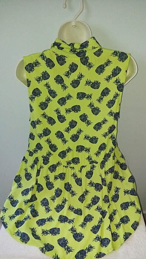 Blusinha Estampada de Abacaxis_foto de detalhe