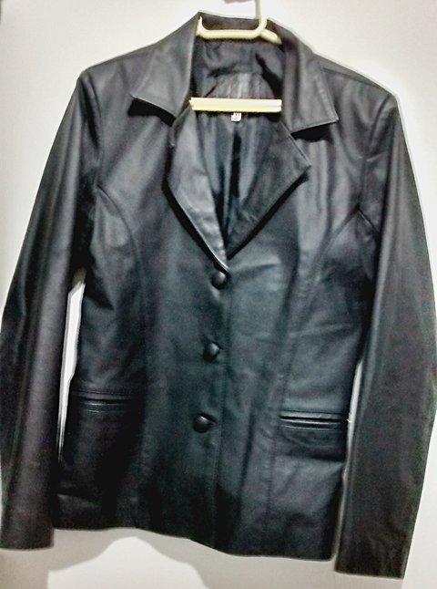 Jaqueta de couro _foto de frente
