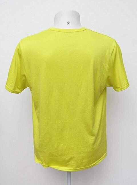 Camiseta amarela decathlon_foto de costas