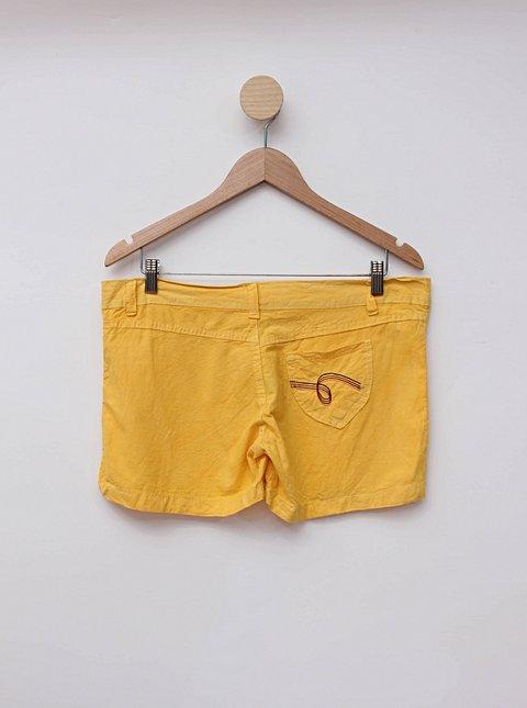 Shorts amarelo new collection_foto de costas