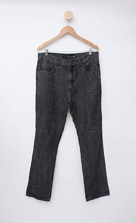 Calça jeans cinza contemporâneo_foto principal