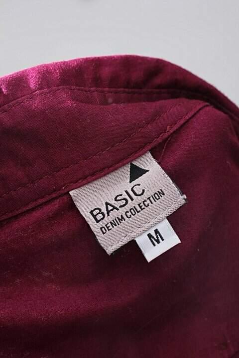 Camisa roxa basic_foto de detalhe