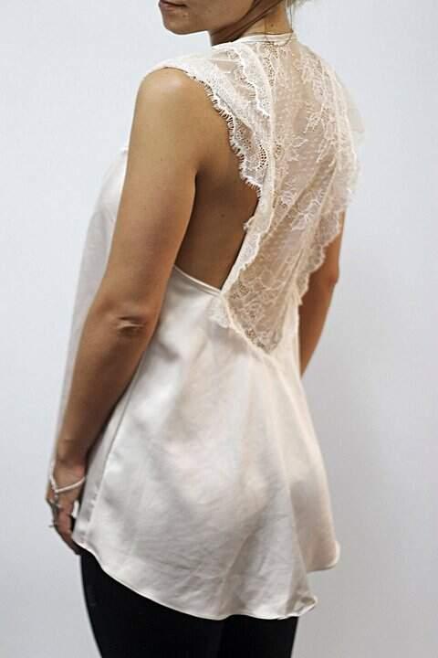 Blusa de Seda com renda Agatha_foto de costas