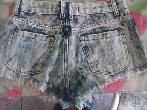 Shorts Jeans com Spike_
