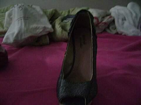 Sapato Peep Toe Preto Furta-cor _