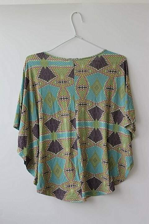 Blusa Colorida Liquido_foto de costas