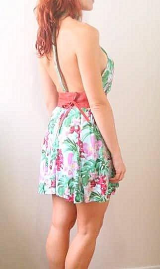 Vestido Floral Frente-Única_foto de costas